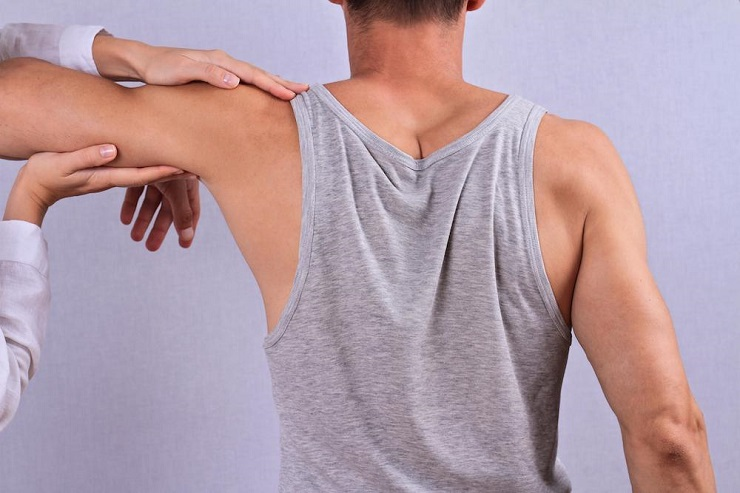 Fairfax Shoulder Specialist Relieves Pain with Chiropractic and Rehab